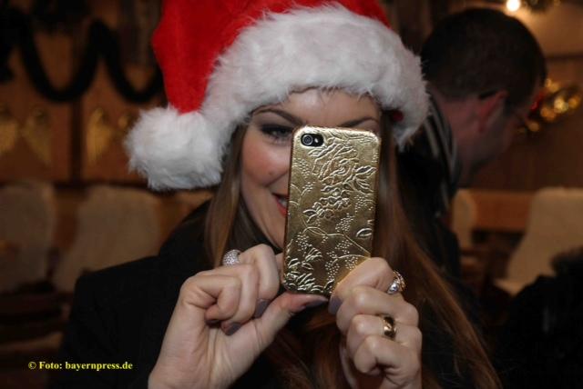 Claudia-Pinkert auf dem Weihnachtsmarkt in Fürth - Goldig!